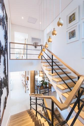 jak oświetlić schody